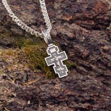 Маленький крест с молитвой Спаси и сохрани серебряный с чернением (арт. 21111-150)