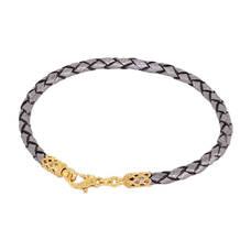Браслет на руку из плетеного кожаного шнурка серого цвета с позолоченный застежкой 13172-4